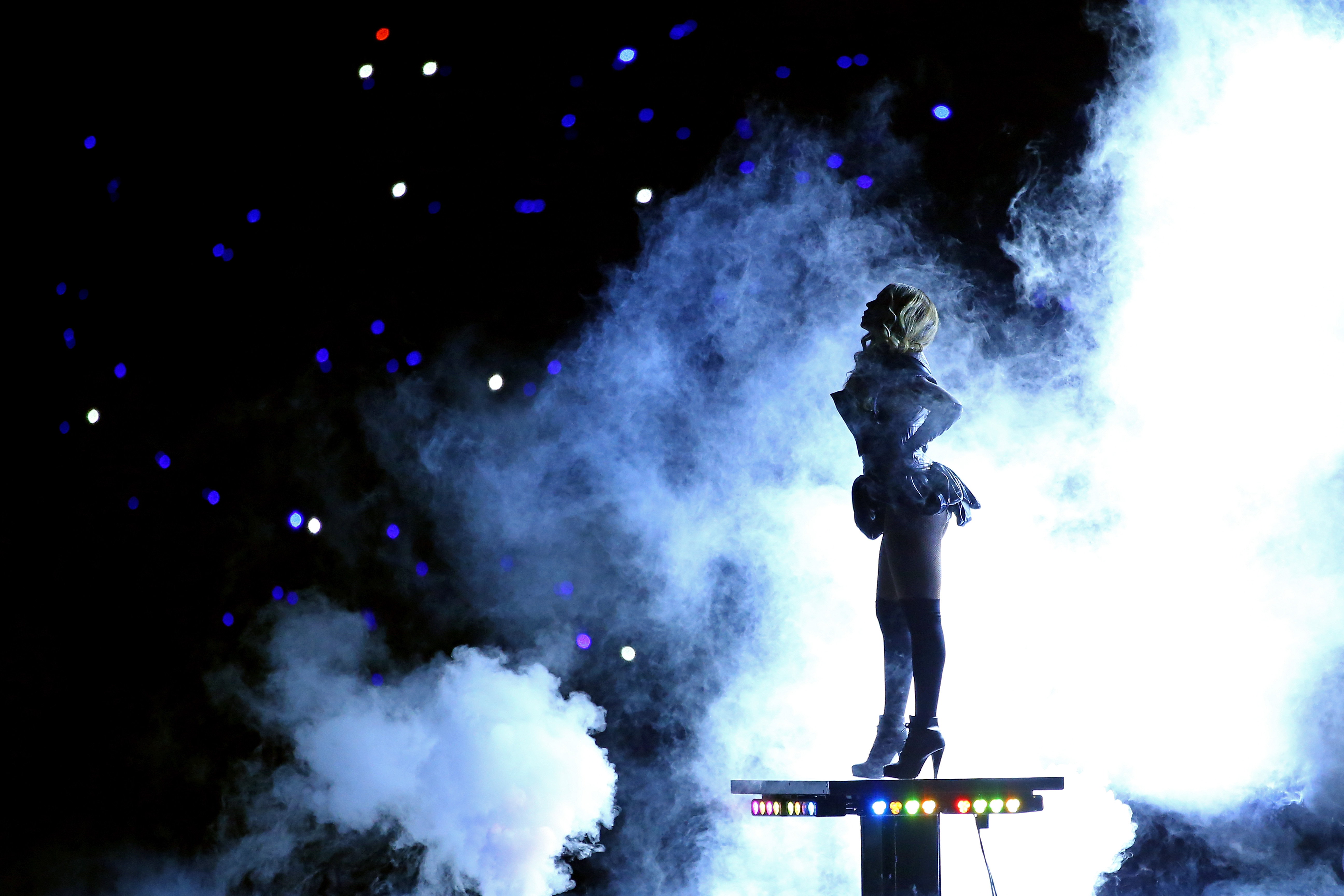 http://theviralmedialab.org/wp-content/uploads/2013/02/Beyonce-Super-Bowl-21.jpg