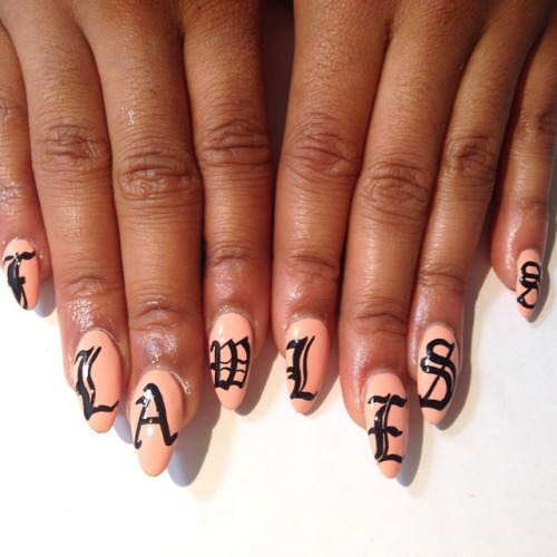 http://theviralmedialab.org/wp-content/uploads/2014/12/flawlessnails.jpg
